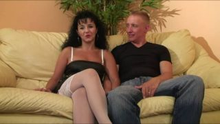 Duo de sexe intense avec une femme cochonne
