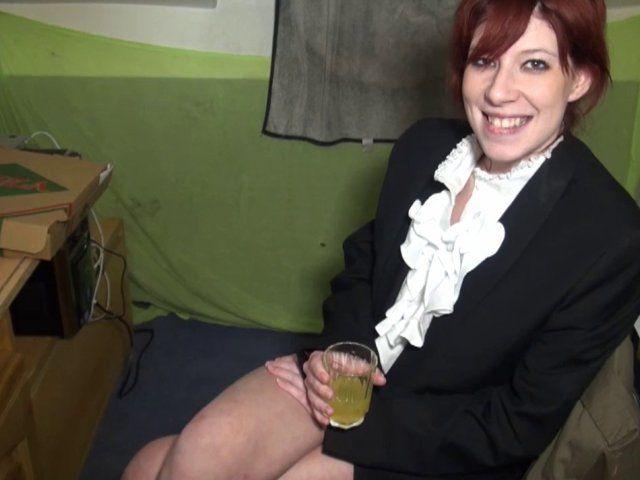 Une amatrice rousse et gourmande en casting