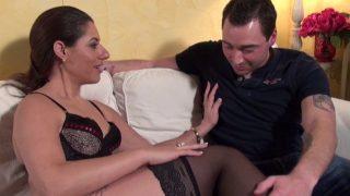 Jolie beurette sodomisée par un inconnu