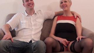 XXX Vidéo d'une libertine blonde aux gros seins
