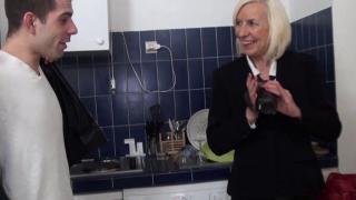 Vidéo libertine mamie baisée dans le casting de son propre film X !