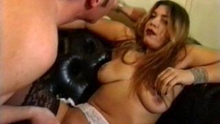 Chaude partie de sexe libertin dans ce X porno vintage