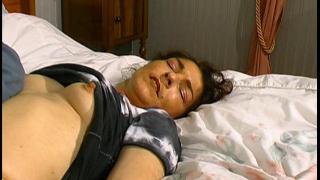 Partouze et sexe extrême dans ce porno vintage
