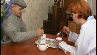 Vidéo libertine avec une femme de ménage salope sur les bores