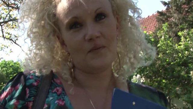 untitled 01 817 640x360 - Femme libertine baise dans le jardin avec son futur patron