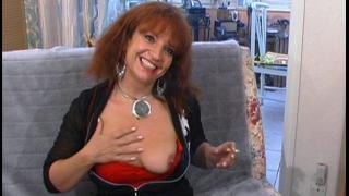 La femme sexy pulpeuse va se faire sodomiser