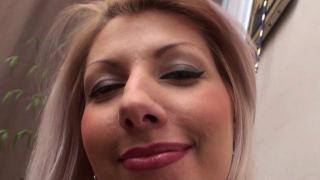 Jolie femme blonde Top sexy en mode Top sexe